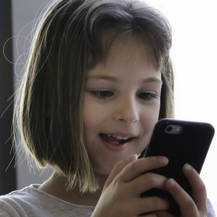 5 Ways to Break Your Childs Mobile Addiction