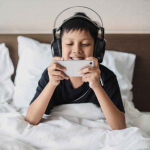 6 Reasons to monitor your Child's Internet Activity